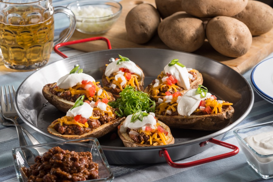 chili-stuffed-potato-skins-3